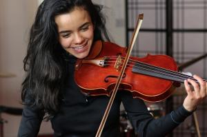 Carla Flores